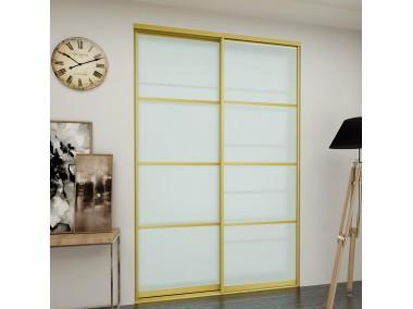 Дверь купе с  вставками из стекла и профиля.