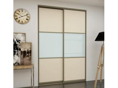 Дверь купе с комбинированными стеклами.
