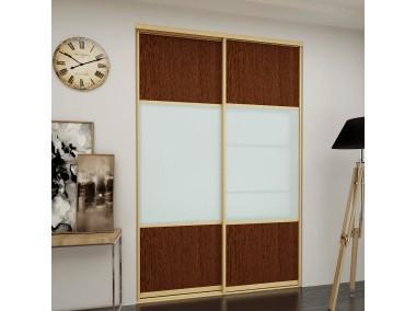 Дверь купе из комбинированного прозрачного стекла.