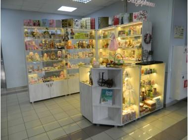 Торговая мебель для магазина подарков to-8006033