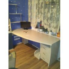 Компьютерный стол на заказ 1600 мм. ksz-100540