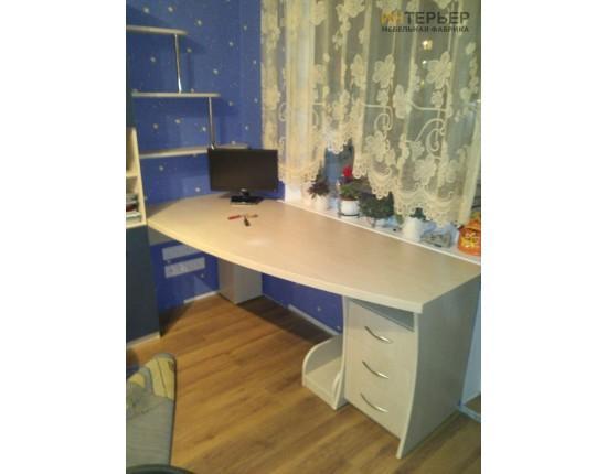 Купить Компьютерный стол на заказ 1600 мм. ksz-100540 в Томске